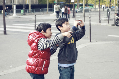 boy camera photographers paris