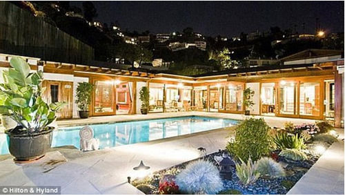 reese witherspoon pool brentwood