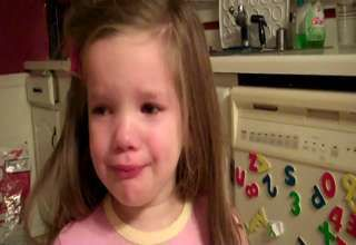 little girl cries that vikings lose to the packers