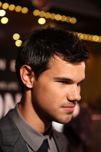 If Taylor Lautner Plays a Fat, Drug-Addicted Prostitute He ... Taylor Lautner Fat