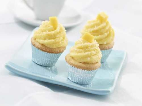 cupcakes with mango buttercream