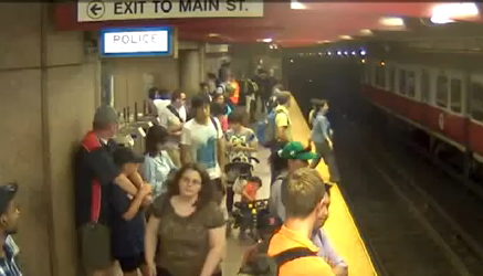 Mom falls on Subway tracks