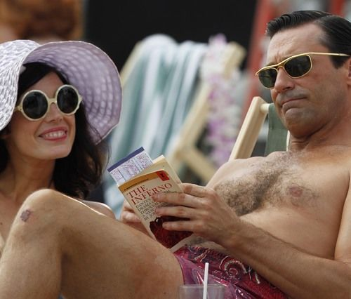 megan and don on the beach jon hamm jessica pare mad men