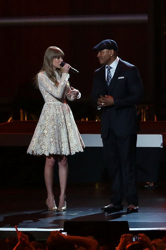 taylor swift ll cool j grammys