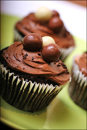 chocolate malt cupcake