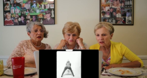 golden sisters watch miley twerk