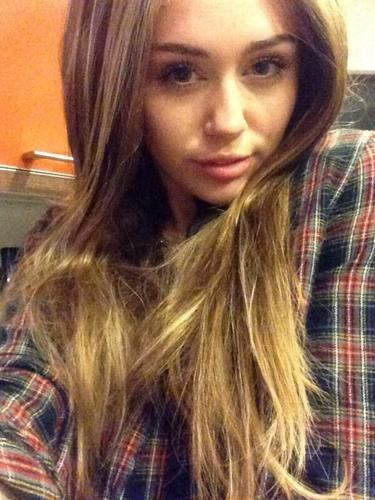 Miley Cyrus' Drastic New Hairstyle Means There Might Be Hope for Her Yet ...
