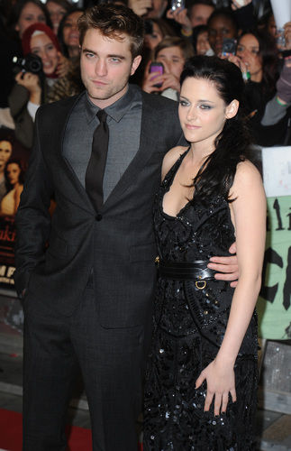 kristen stewart robert pattinson twilight breaking dawn premiere UK