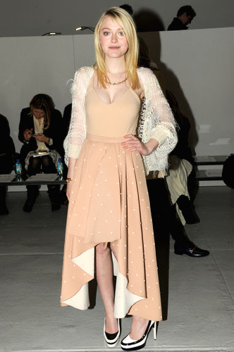 dakota fanning fashion week