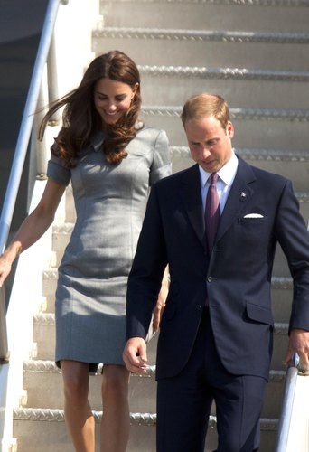 kate middleton prince william deplaning