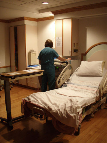 hospital bed for pregnant woman