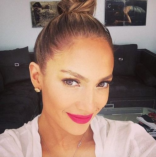 Jennifer Lopez S Makeup Free Selfie Looks Nothing Like J