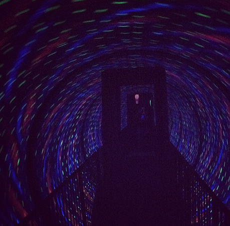 spinning tunnel ride