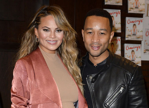 Chrissy Teigen, John Legend share first photo of daughter's face