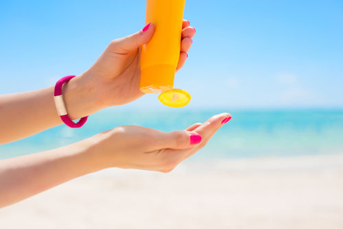 9 Big & Burning Questions About Sunscreen -- Answered