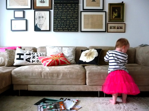 couch girl child toddler