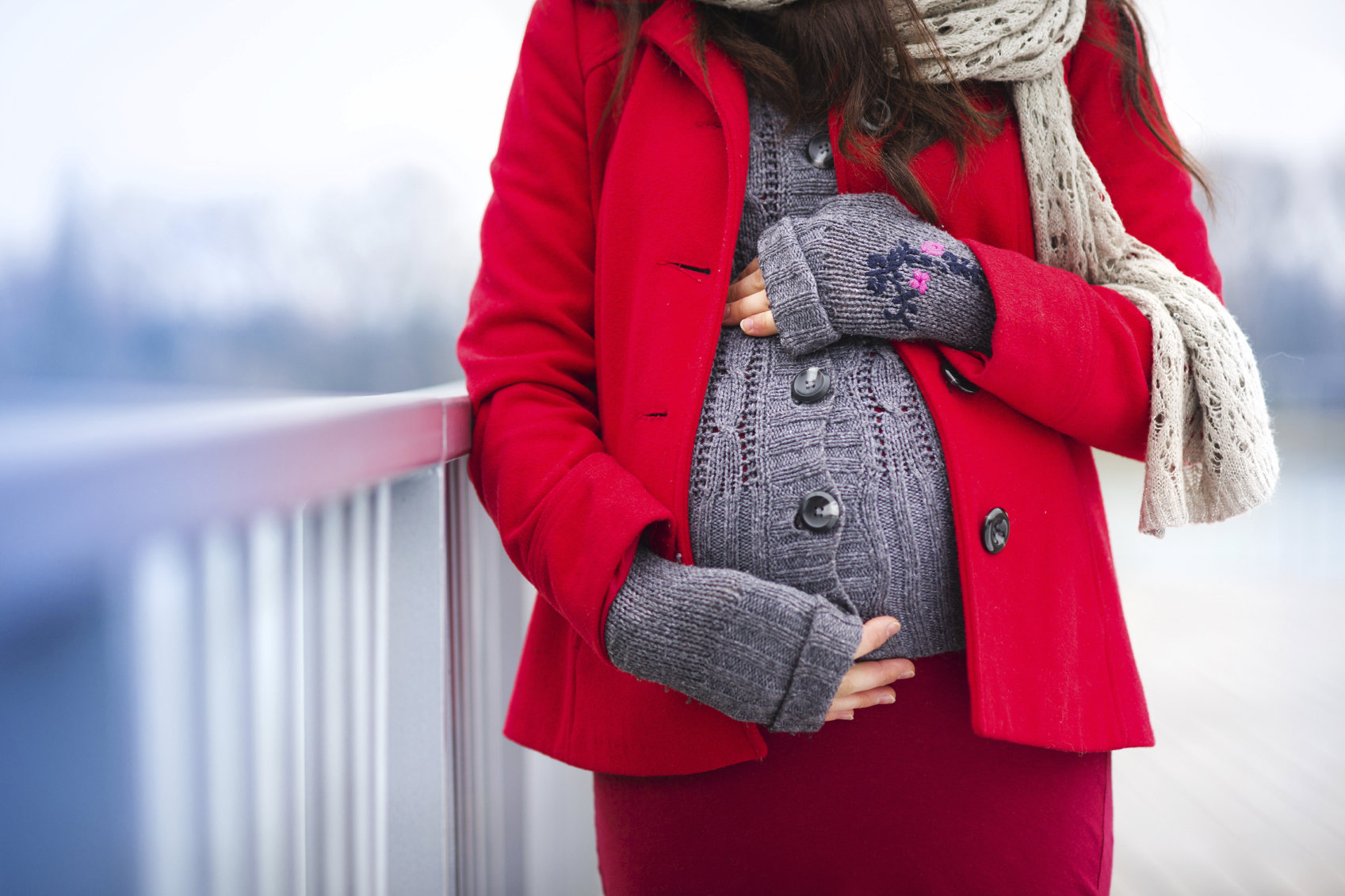 Checklist: Cold-Weather Maternity Clothes to Keep You Cozy ...