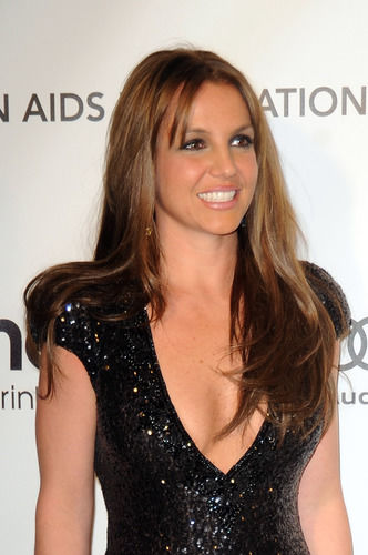 Britney Spears Hair Has Gone To The Dark Side Amp It S Not