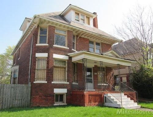 39 haunted 39 house for sale complete with blood on the walls photos the stir