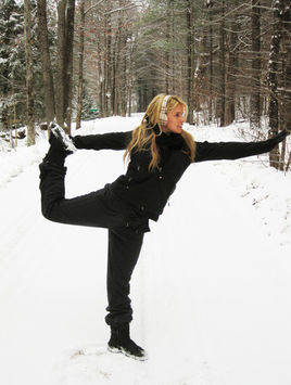 woman working out in the snow