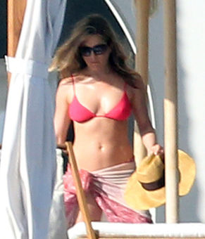 jennifer aniston bikini photos cabos