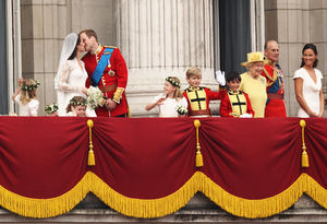 royal wedding kiss on balcony
