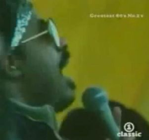 stevie wonder sings happy birthday