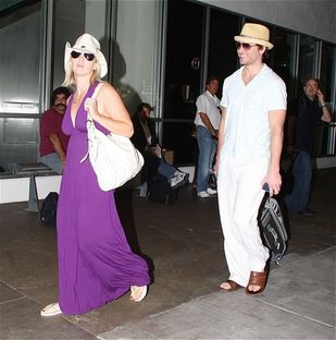 Reasons jennie garth is better off without peter facinelli the stir