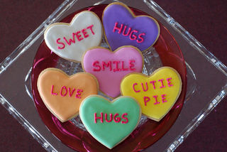 Valentine's Day 'Conversation Heart' Cookies Are Sweeter Than Can...