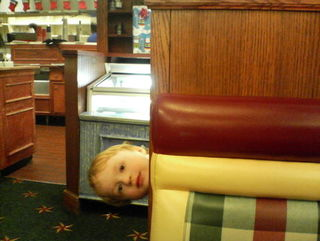 kid in restaurant
