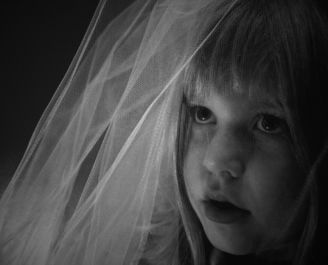 girl in wedding veil