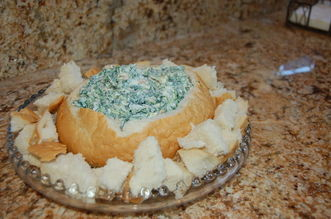 bread bowl spinach dip