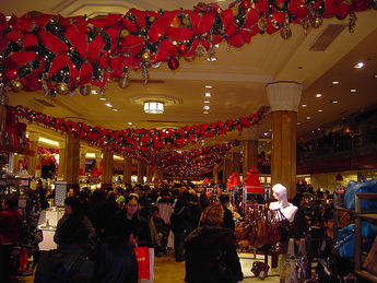 macys black friday shoppers