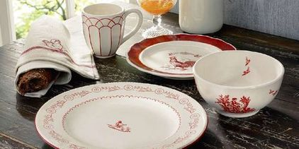red plates dishes 