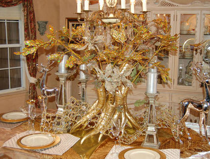 crazy gold Thanksgiving table